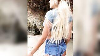 Bimbo Girl: Lynaritaa - Underboob and Butt