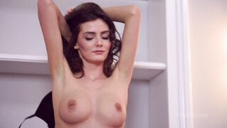 Fedra Strips off Her CLothes, Shows off Pussy and Ass